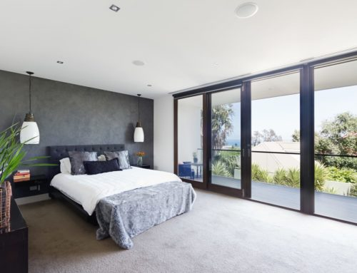 How to Choose Between Sliding Doors & Bifolds