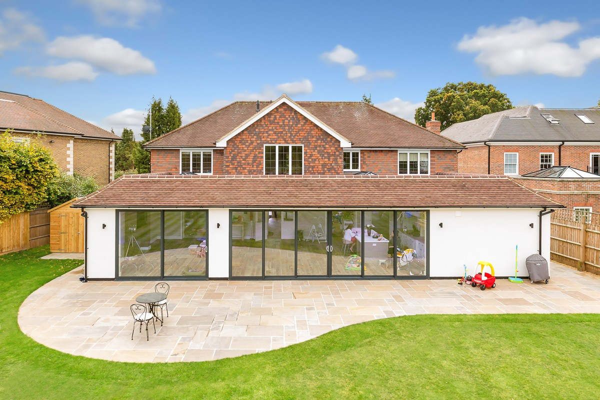 bifold-doors-hamilton-windows-07