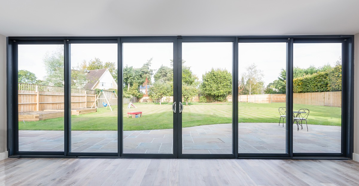bifold-doors-hamilton-windows-10