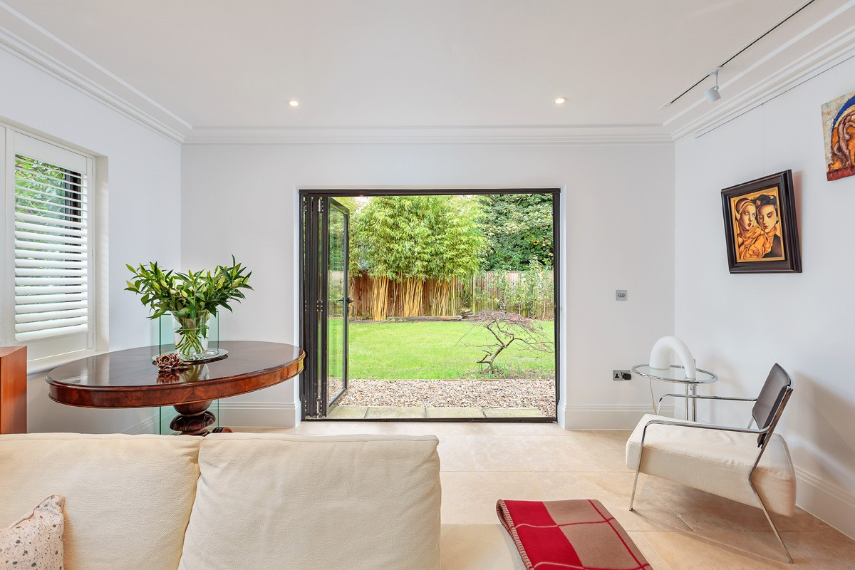bifold-doors-hamilton-windows-16
