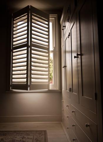 shutter-style-tier-on-tier-shutters