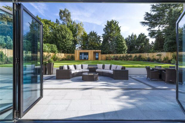Follow our top tips to make the bifold door installation process easy. When to order new bifold doors. Confirm your final door specifications. How to prepare the bifold installation site & access. Get free advice now.